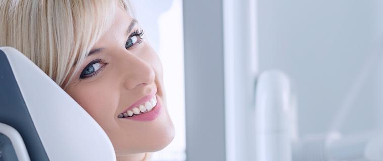 Pourquoi devez-vous confiez votre chirurgie d'implants dentaires à un spécialiste?